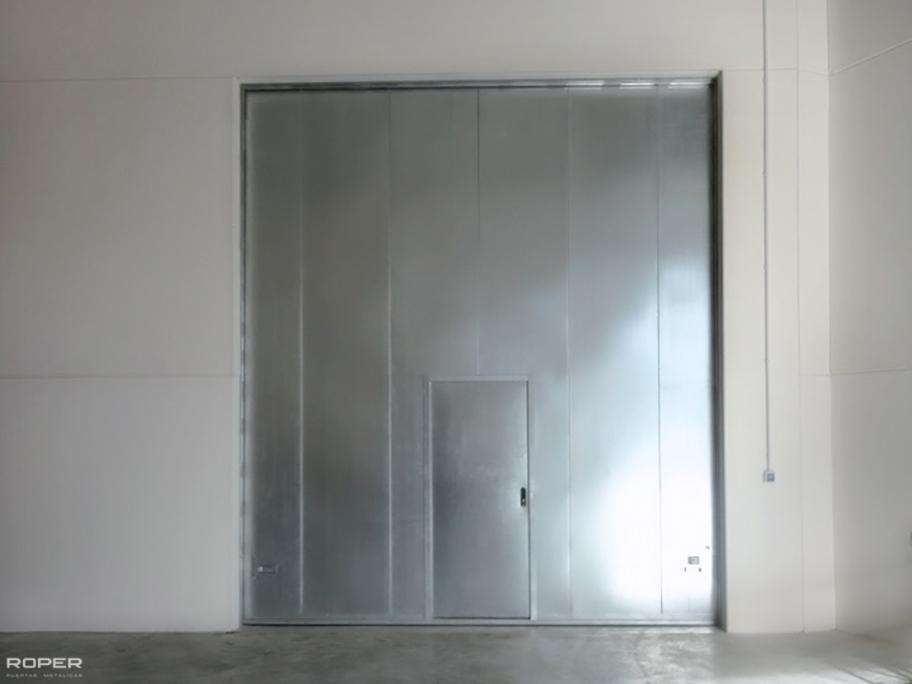 Guillotine Firescreen Doors 1